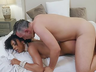 Ebony hottie Misty Stone gets lucky to have distraction with Keiran Lee