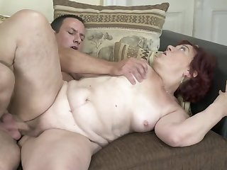 Red-haired granny finally gets their way grey twat banged hard